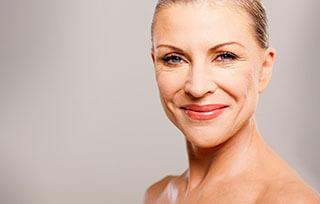 Verjüngung der Haut im Gesicht und am Hals
